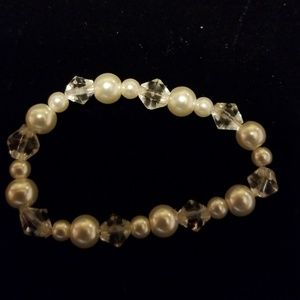 Jewelry - Little girls pearl and clear stretchy bracelet